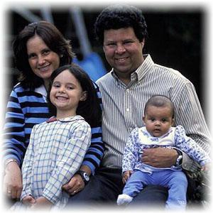 awonderfulfamily2.jpg